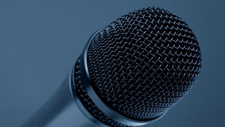 microphone-298587_960_720