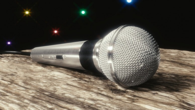microphone-1185958_960_720