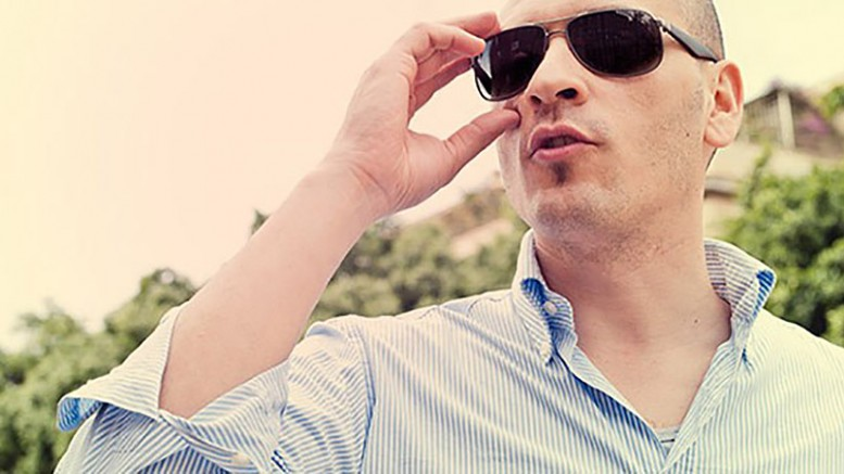 1406746581-10-ways-you-can-blow-first-impression-man-sunglasses