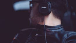20150417194514-listening-music-headphones-marshall-man-people-technology-tunes